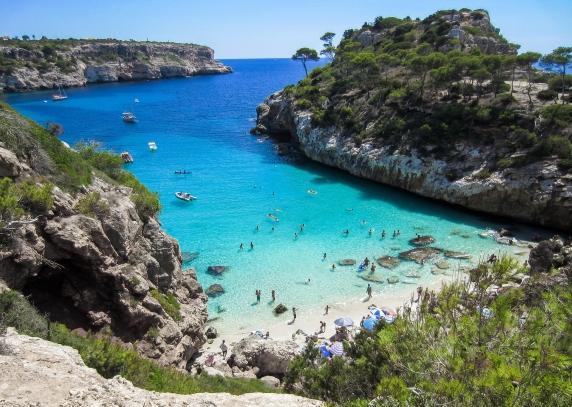 Darbo pasiūlymai Ispanijos salose