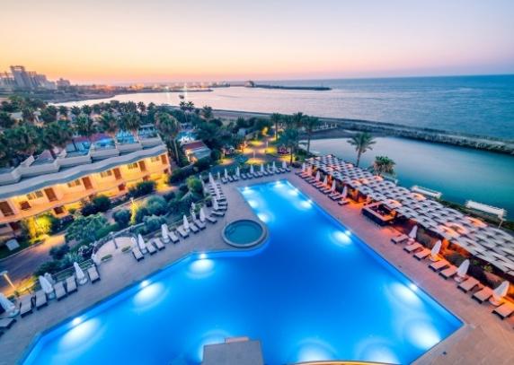 Stažuotės bei apmokama darbo praktika Kipro kurortuose