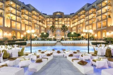 Skelbiame atrankas apmokamai darbo praktikai Maltos bei Kipro viešbučiuose